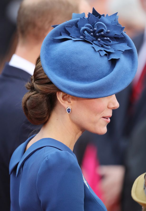 Catherine-Duchess-of-Cambridge-arrives-at-the-Official-Welcome-Ceremony-for-the-Royal-Tour